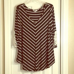 Roommates 1X 3/4 Sleeve Striped Top Lace Sleeve